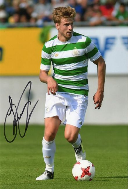 Stuart Armstrong, Glasgow Celtic & Scotland, signed 10x8 inch photo.